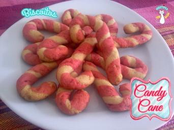 Receita/Recipe: https://arquetipicocozinhainusitada.wordpress.com/2015/12/11/biscoitos-candy-cane/