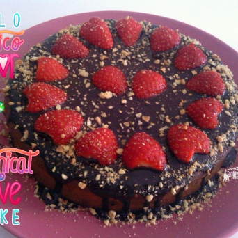 Receita/Recipe: https://arquetipicocozinhainusitada.wordpress.com/2016/03/20/bolo-mitico-amor-mythical-love-cake/