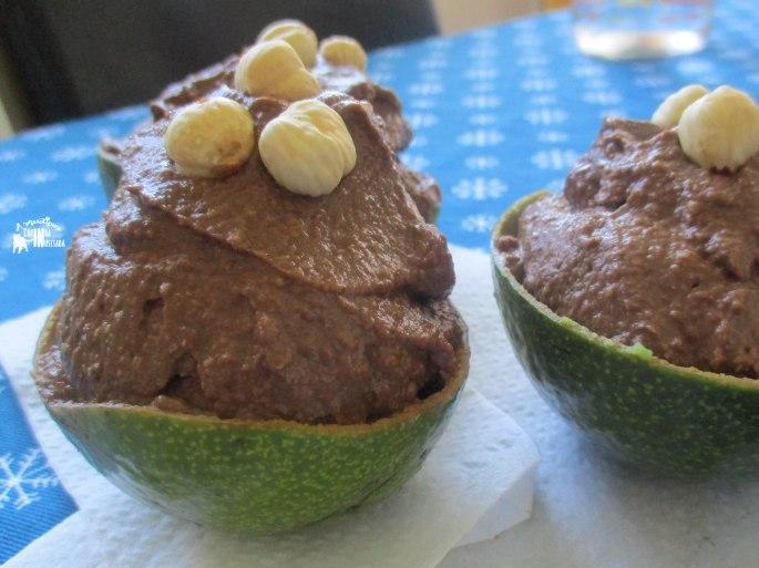 Abacatella - Mousse de Cacau, Abacate e Avelã - Cacao, Avocado and Hazelnut Mousse decor.jpg