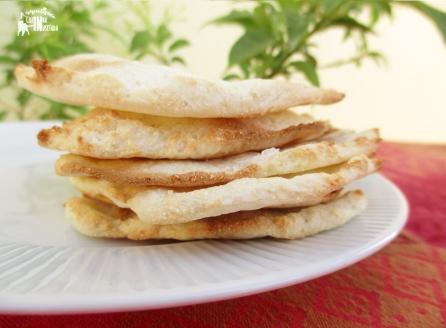 Receita/Recipe: https://arquetipicocozinhainusitada.wordpress.com/2017/10/10/pao-naan-de-2-ingredientes2-ingredients-naan-bread-paleo-vegan-gluten-free/