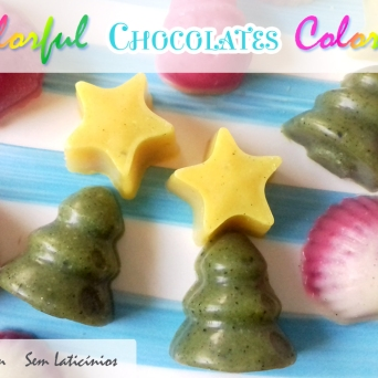 Receita/Recipe: https://arquetipicocozinhainusitada.wordpress.com/2017/12/18/chocolates-coloridos-paleo-paleo-colorful-chocolates/