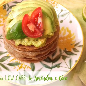 Receita/Recipe: https://arquetipicocozinhainusitada.wordpress.com/2019/07/10/panquecas-detox-low-carb-de-amendoa-e-coco/